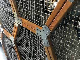 Crimped steel wire mesh and products made of it - photo 7